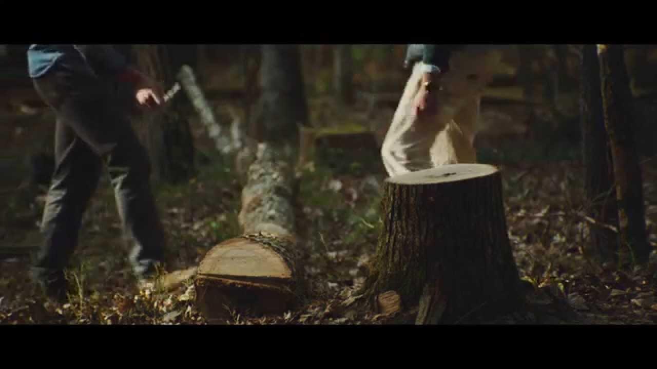 Handwerkskunst, Handgemachter Holzhocker [Video]…