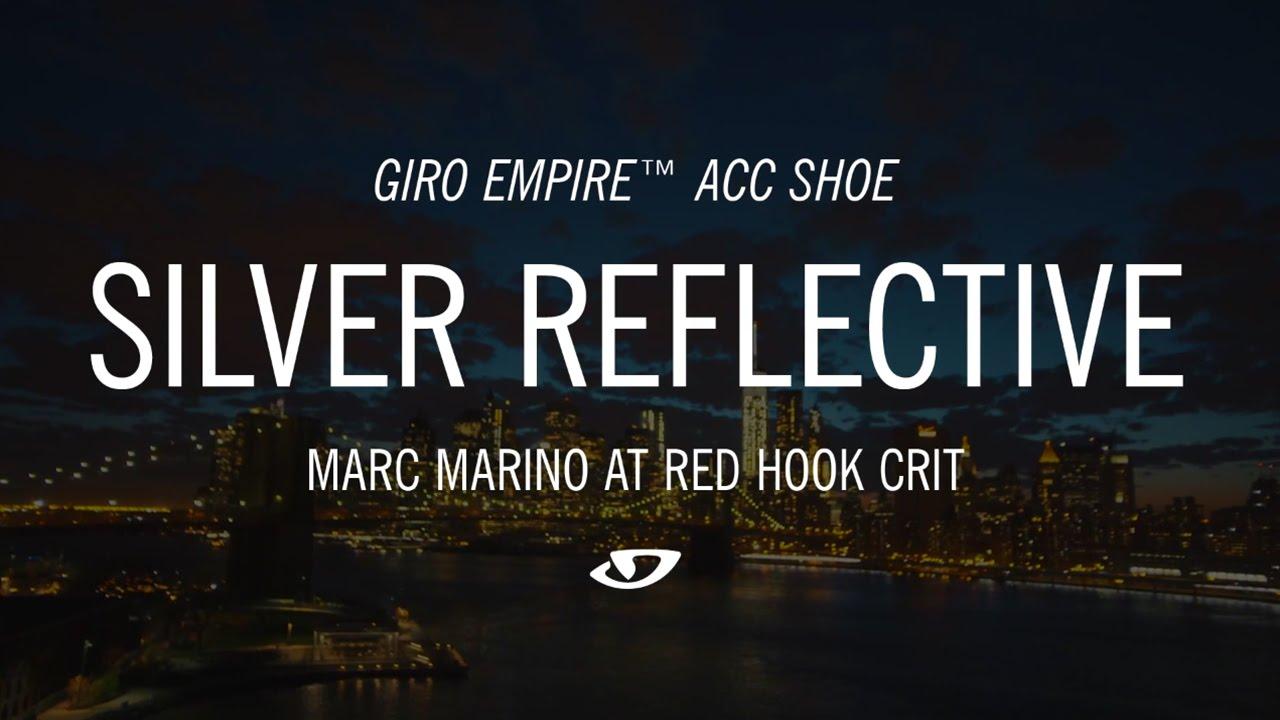 Das sind Giro's reflektierende Fahrradschuhe auf dem Red Hook Crit in Brooklyn [Video]…
