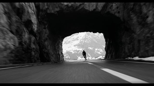 Patrick Seabase am Sustenpass, Schweiz [Cycling, Video]…